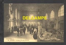 DF / CHEMINS DE FER / TROYES / LA GARE - NOUVEAU VESTIBULE / ANIMÉE - Stations Without Trains
