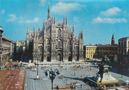 MILAN (MILANO) - Place De La Cathédrale (Plazza Del Duomo) - - Milano (Milan)