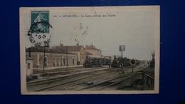 AVALLON LA GARE ARRIVEE DES TRAINS - Avallon