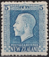 NZ    .     SG   .   424     .    1921-22     .     Single Lined  N.Z. And Star    .    *    .   Mint-hinged - 1907-1947 Dominion