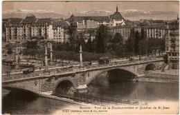 41kks 1O2 CPA - GENEVE - PONT DE LA COULOUVENNIERE ET QUARTIER SAINT JEAN - GE Geneva