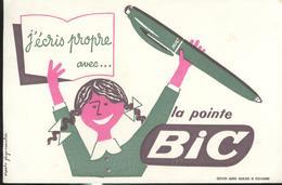 Buvard  Bic - J'écris Propre Avec La Pointe Bic  - Très Bon état - Blotters