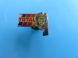 Pin's - 019 - Paris Le Cap 92 (Dakar) - Total - Fuels