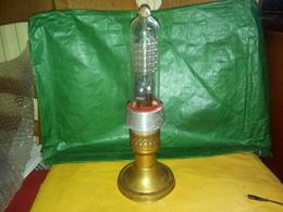 CURIOSITÉ ANCIENNE LAMPE ELECTRIQUE PYREX à Datée MONTÉE SUR SUPPORT CUIVRE POUR DÉCORATION VOIR PHOTOS - Sciences & Technique
