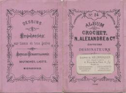 Publicité - Dépliant Dessins Broderies Dentelles - Maison Alexandre - Helbronner 4 Rue De La Paix Paris - Armoiries - Publicités