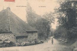69 // JULLIE   La Scierie - France