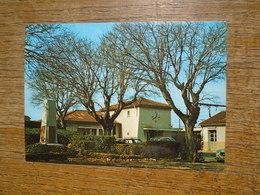 Miramas En Provence , Le Jardin De La Gare S.n.c.f. En Automne - Autres Communes