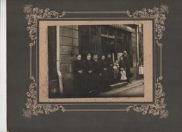 00135 Photographie Vers 1900 Sur Carton Finistère Magasin De Tissus  GUIBERT GUILLEU Bazougues La Pérouse - Places
