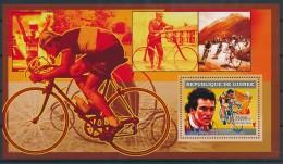 D- [401889] **/Mnh-Guinée 2006 - 5 Fois Vainqueur Du Tour De France, Bernard Hinault - Cyclisme