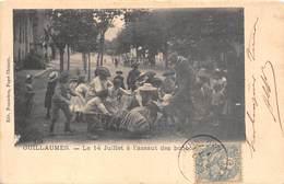 06-GUILLAUMES-LE 14 JUILLET A L'ASSAULT DES BONBONS - Autres Communes