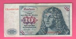 Germania Germany 10 Mark 6 / 1977 - [ 6] 1949-1990 : RDA - Rep. Dem. Tedesca