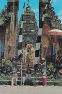 INDONESIA BALI SALAH SATU ADEGAN DALAM TARI BARONG  VIAGGIATA - Indonesia