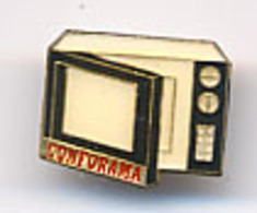 "{10020} Pin's "" Conforama "" (c)   Four Micro Ondes   "" En Baisse "" - Merken"