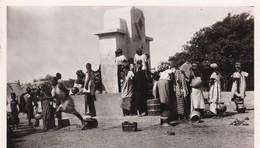 NIGER / NIAMEY / FEMMES A LA FONTAINE / FONTANON 11 - Niger