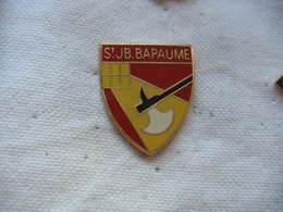 Pin's Embleme Du Collège Privé Saint Jean-Baptiste, Bapaume (62) - Administrations