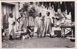 DAHOMEY / COTONOU / PAGNES EN RAPHIA TISSE / HABILLEMENT DE LUXE DE LA FEMME YOROUBA / FONTANON 38 - Dahomey
