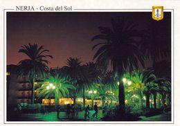 1 AK Spanien * Promenade In Der Andalusischen Stadt Nerja Bei Nacht * - Spanien