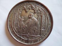 Medaille De Table Souvenir Communion-offert Par Le Curé à Joseph Favret - Other
