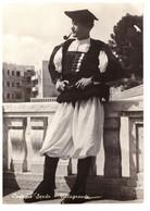 Nuoro Costumi Sardi Villagrande - Italia