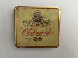 EMPTY  TOBACCO  BOX    TIN    CLUBMASTER HANDELSGOLD - Boites à Tabac Vides
