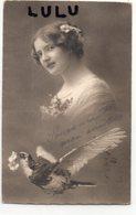 FEMMES 537 : Portrait Avec Un Pigeon Voyageur : édit. M K B 1576 - Femmes