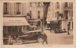 CPA DIGNE LES BAINS Route Napoléon- HOTEL RESTAURANT  MISTRE -pompe à Essence-voiture Ancienne-animée - Digne