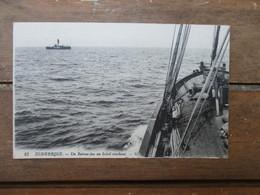 CPA 59 DUNKERQUE UN BATEAU FEU AU SOLEIL COUCHANT - Dunkerque
