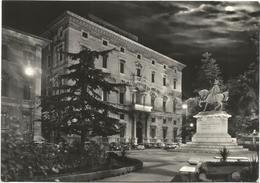 X3697 Perugia - Piazza Italia - Notturno Notte Night Nuit Noche Nacht - Auto Cars Voitures / Viaggiata 1964 - Perugia