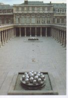 REF 349  :  CPM Pol Bury Fontaines Du Palais Royal Paris 1985 - Arts