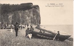 CPA Fécamp Saint Pierre En Port La Plage Et Les Falaises D'Aval Dutot - Fécamp