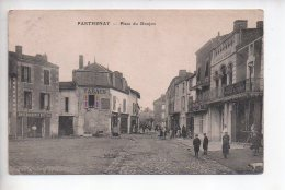 REF 307  :  CPA 79 PARTHENAY Place Du Donjon - Parthenay