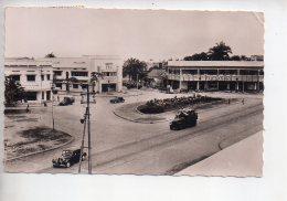 REF 309  :  CPSM CONGO AOF Pointe Noire Place Du Gouverneur Citroen Traction - Pointe-Noire