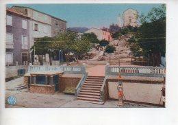 REF 309  :  CPA 66 LE PERTHUS Place Publique Pompe à Essence - Francia