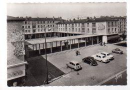 REF 325  :  CPSM 60 COMPIEGNE Centre Commercial La Victoire - Compiegne