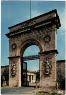 4KSK 310 ROCHEFORT SUR MER - RUE DE L'ARSENAL - LA PORTE DU SOLEIL  (DIMENSIONS 10 X 15CM) - Rochefort