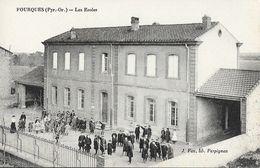 Fourques (Pyérnées-Orientales) - Les Ecoles - Edition J. Fau, Libraire - Carte Non Circulée - Schools