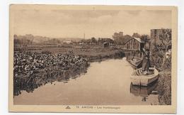 AMIENS - N° 75 - LES HORTILLONAGES AVEC PERSONNAGE SUR BARQUE - CPA NON VOYAGEE - Amiens