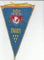 Rare FANION - PARIS - BLEU - Obj. 'Remember Of'