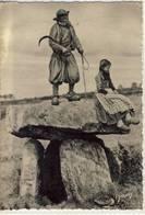 BRETAGNE L'ARCHI - DRUIDE DU MÉNEZ HORN - Dolmen & Menhirs