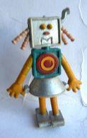 RARE Figurine DOCTEUR SNUGGLES - 1980 - MATHILDE (1) - DOCTOR Manque 1 Oreille - Figurines