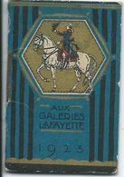 REF1383-2018  PETIT CALENDRIER SOUS FORME DE LIVRET AUX GALERIES LAFAYETTE 1923 - Calendriers