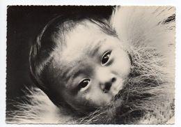 Esquimaux --Eskimos ---Bébé Esquimau Sur Le Dos De Sa Mère - Amérique