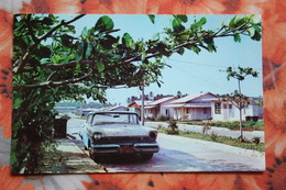 Colombia-San Andres-Barrio Residencial  - Cadillac Car - Colombia
