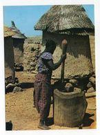 Burkina Faso -- 1986 --Pileuse De Mil Devant Le Grenier (animée ) --timbres ,cachet - Burkina Faso