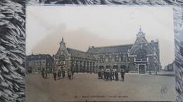 MALO LES BAINS * NORD - CPA ANIMEE - L HOTEL DE VILLE - TRES BELLE ANIMATION - Malo Les Bains