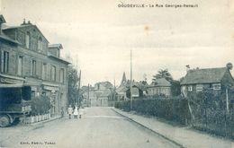 76 - Doudeville - La Rue Georges Renault - Other Municipalities