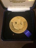 Medal Centenary Of Queen Mother Elizabeth 1900 - 2000 Clamis Castle Gold Plated - Monarchia/ Nobiltà