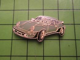 713J Pin's Pins / Beau Et Rare : Thème AUTOMOBILES / PORSCHE CARRERA 911 BLEU VERT OEUF DE CANARD - Porsche