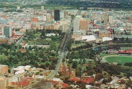 [295] ADELAIDE. Aerial View (Stadium).- Air View, Vista Aérea, Vue Aérienne, Veduta Aerea.- Unwritten / Non écrite - Adelaide