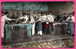 Les Plaisirs De La Caserne - Le Lavoir - Une Lessiveuse - Militaire - Animée - E.L.D. - 1907 - Colorisée - Militaria